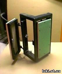 Угловой люк в короб под плитку